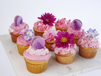 Buttercream Cupcakes with flowers and macarons - extra fun!