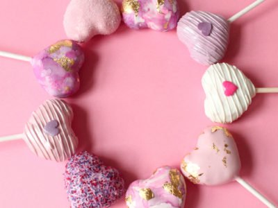 Valentine's Day Heart Cake Pops in Pink and Purple