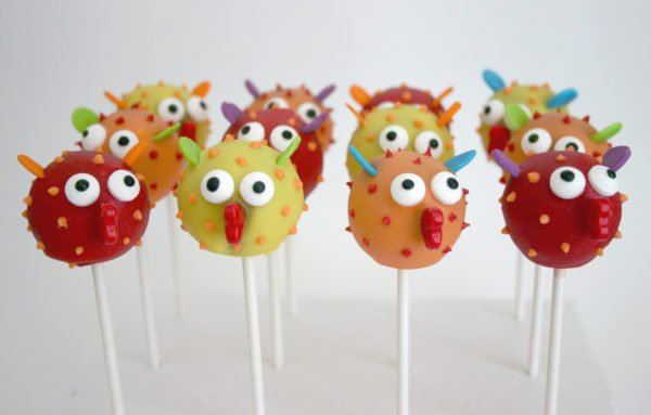 Adorable Blowfish Cake Pops for kids' birthday parties